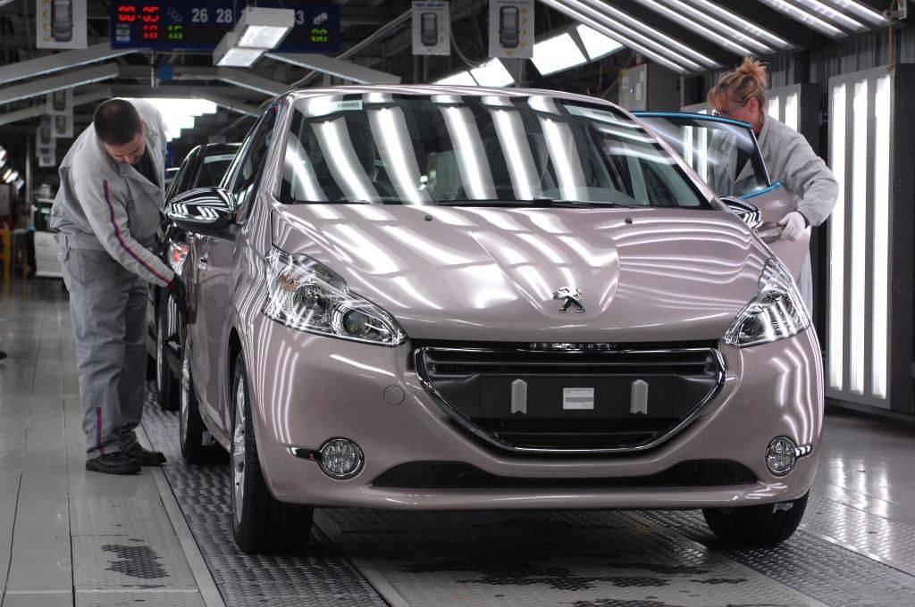 Peugeot+208+Fabriek+Poissy+014